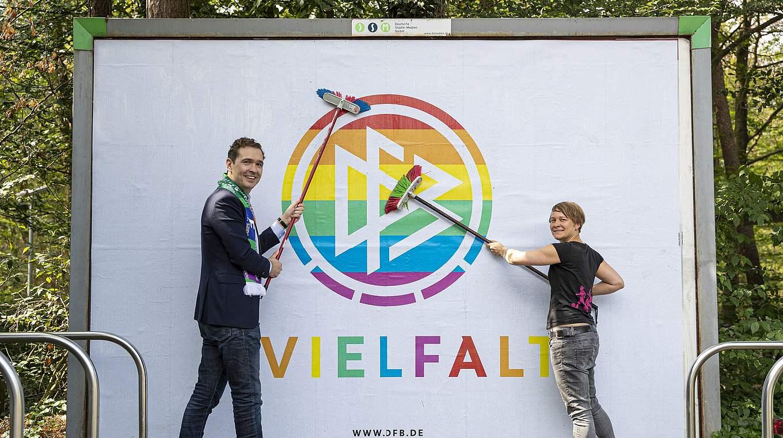 Der DFB setzt mit neuer Aktion ein Zeichen für Vielfalt.