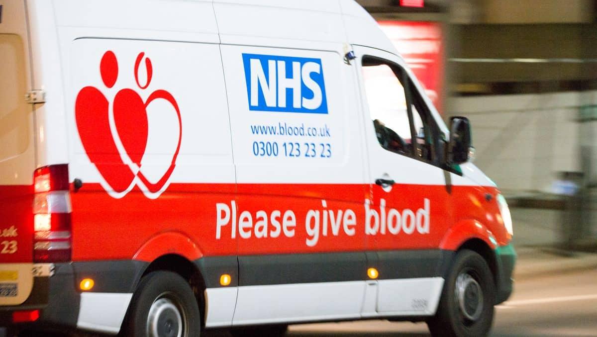 Großbritannien erleichtert schwulen und bisexuellen Männern das Blutspenden