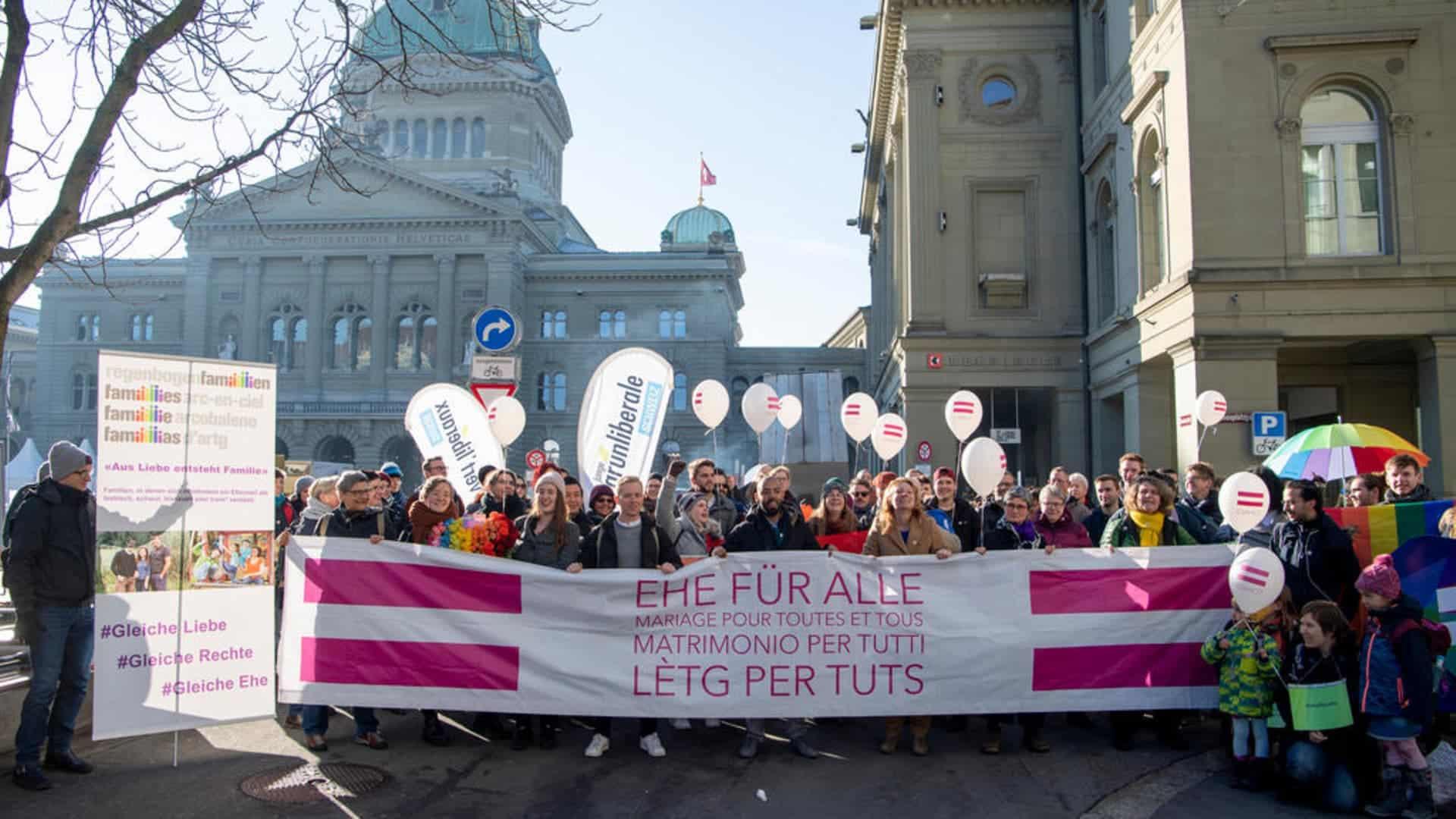 Schweizer Parlament erlaubt endlich die Ehe für alle