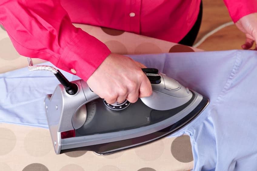 Hemden leichter bügeln – dank passender Vorarbeit