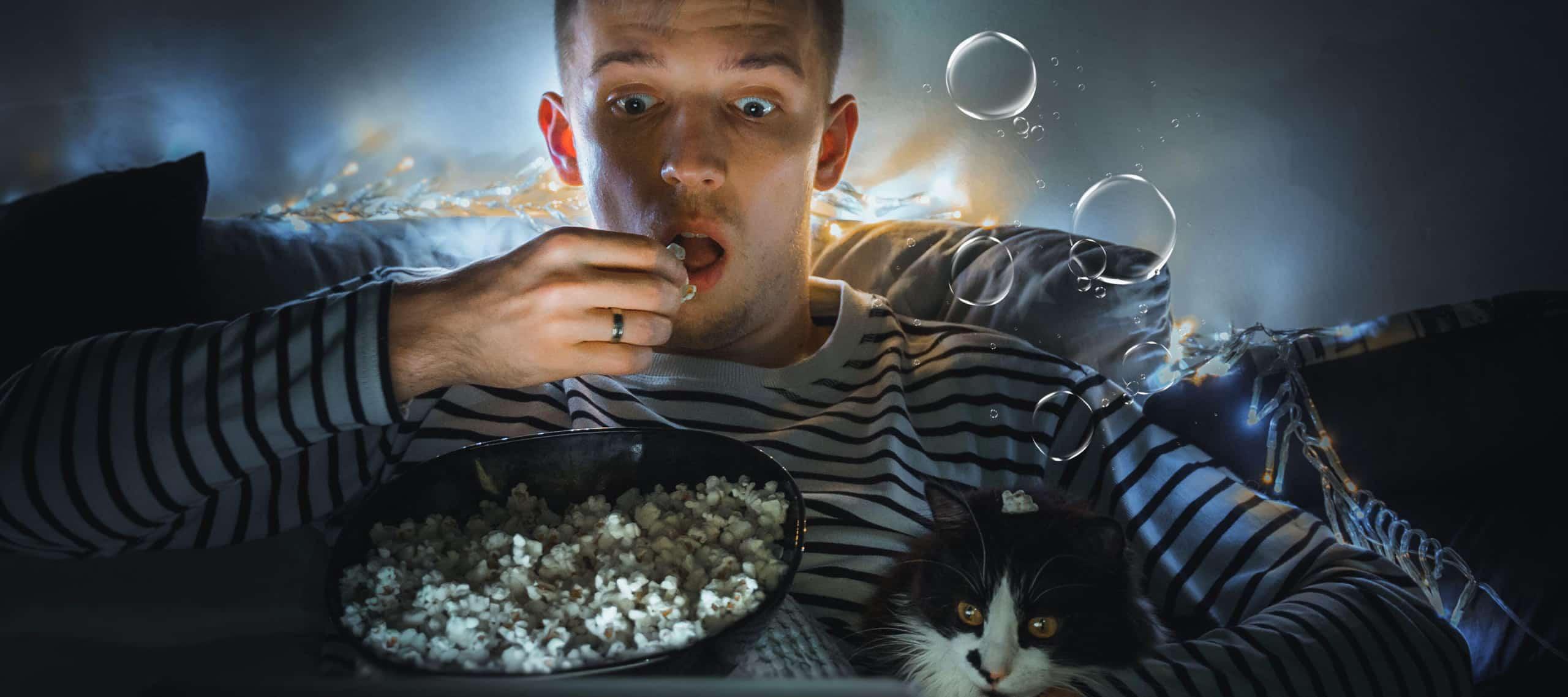 Warum lieben es die Menschen sich bei einem Horrorfilm zu gruseln