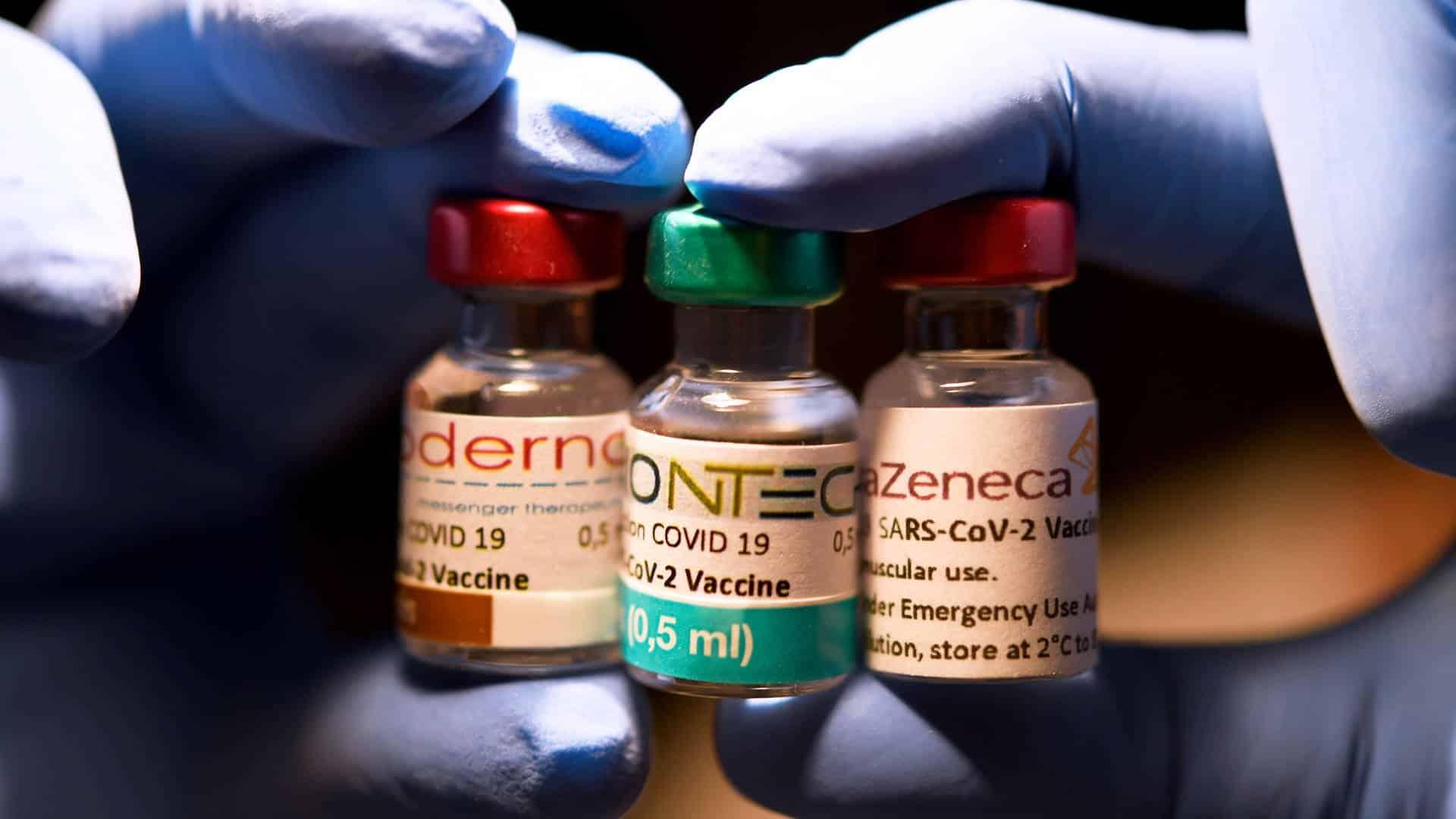 Elton John und Michael Caine werben für die Corona-Impfung