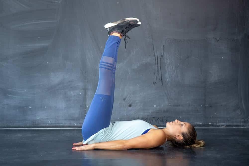 Übung Nr. 3 Leg Lifts