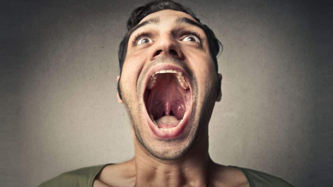 Was tun gegen schlimmen Mundgeruch oder schlechten Atem